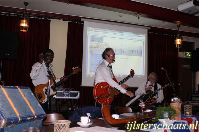 2011-11-24_ledefergadering-002