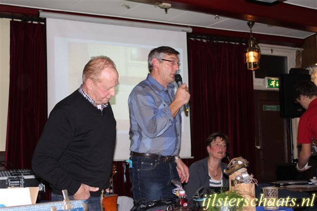 2011-11-24_ledefergadering-006